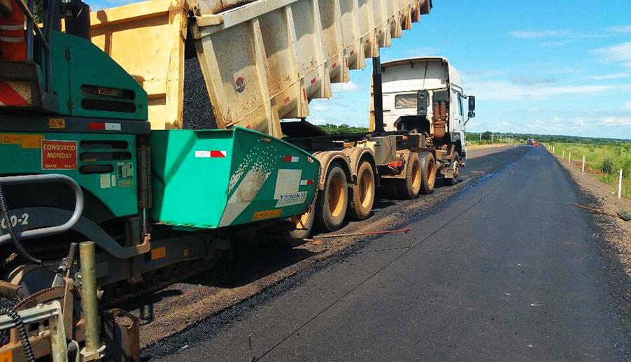 asfalto en el tramo Curuguaty Ypejh r