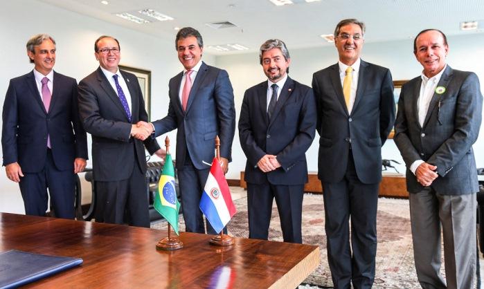 embajador de Paraguay con gobernador de Parana