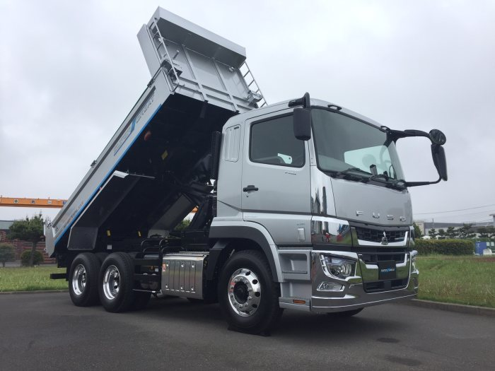 nexotrans.com D377827 Daimler Trucks rket with new FUSO truck