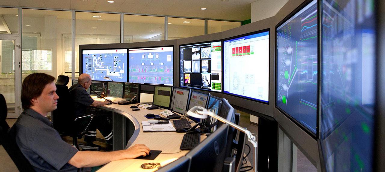 cz control room 1 img 4230 0 r