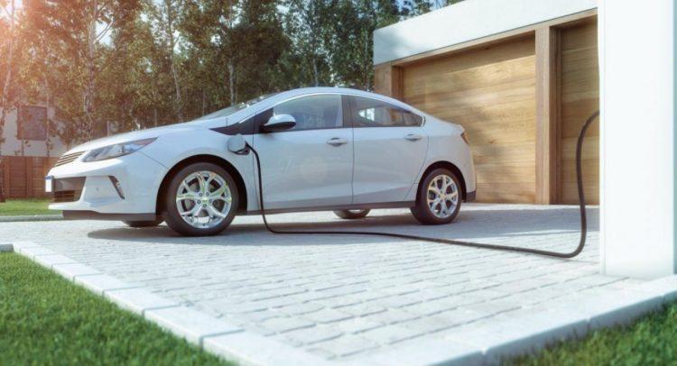 Los autos eléctricos serán obligados por ley a hacer ruido