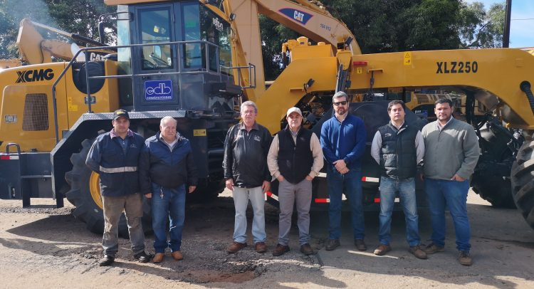 EFICON, hizo entrega de una Recicladora de Suelos, al grupo EDB Construcciones