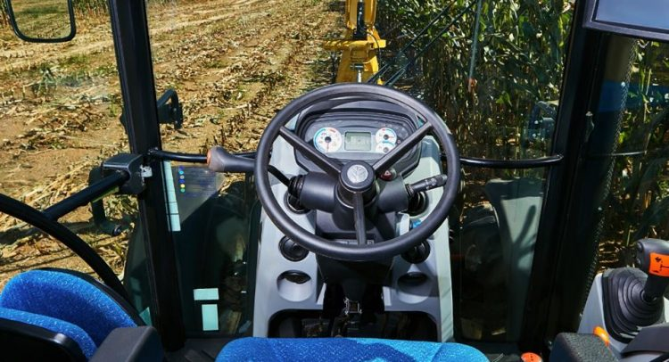 Tape Ruvicha expone tractores de New Holland Agriculture