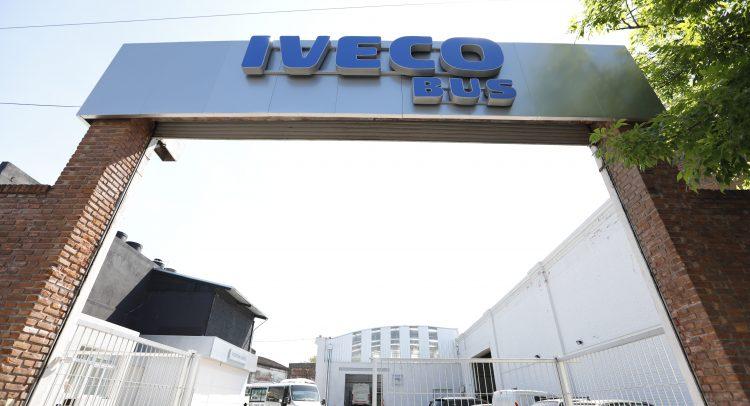 OVERBUS se convierte en el primer concesionario de IVECO BUS en Argentina
