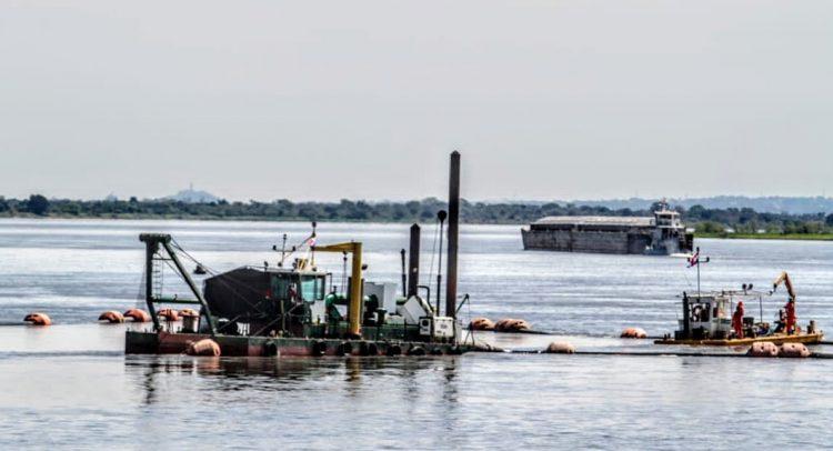 Inician trabajos de histórico dragado en el río Paraná