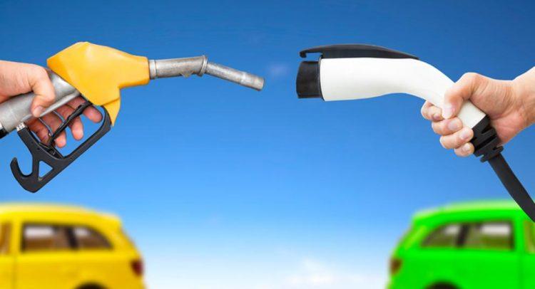 Reino Unido prohibirá venta de autos a gasolina y diésel desde el 2035
