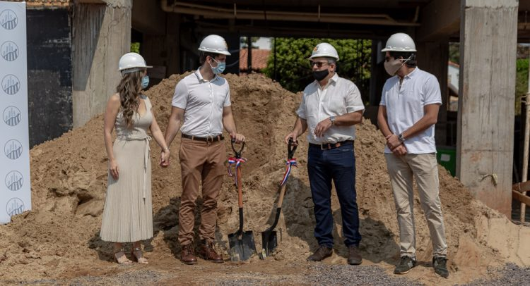 Palada inicial del nuevo proyecto inmobiliario de Zuba