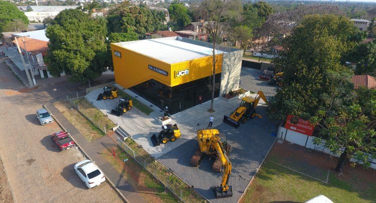 La familia del Grupo De La Sobera, realizó la inauguración oficial de su nueva casa central.