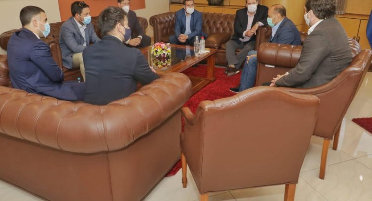 Capaco y Cavialpa se reunieron con el presidente del Congreso