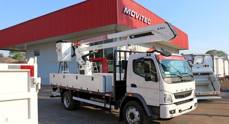 Movitec entregó un hidroelevador a la Constructora 14 de julio