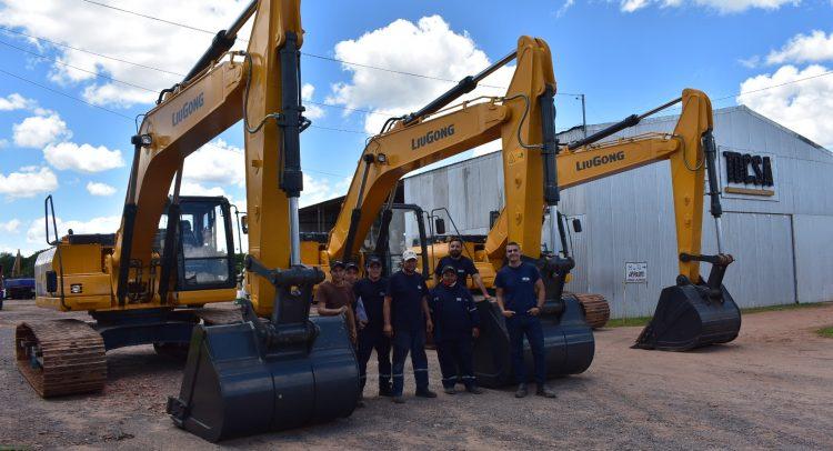 TARGET S.A. entrega lote de 3 excavadoras LIUGONG a TOCSA
