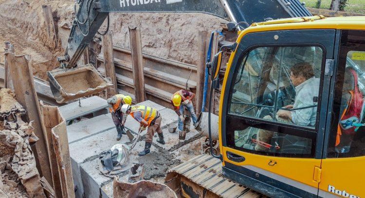 Defensa Costera de Pilar suma nuevos frentes de obras para instalación de desagües pluviales